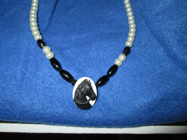 Hand made Horse Cameo pendant necklace made with pearls