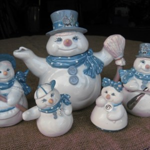 Ceramic Snowman Tea Set