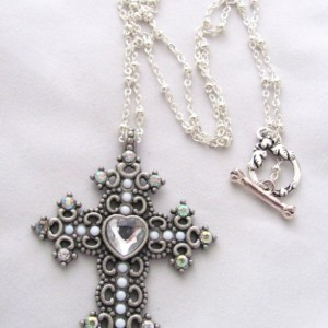 Simple Silver Cross Necklace Pendant Rhinestones Heart Silver Chain