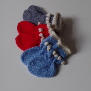 Baby socks Ages 0-6 Month, Pure wool. Hand Knitted. Gray / White. Red / White. Blue / White