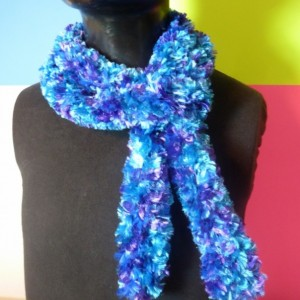 Handhooked Boa Scarf - Electric Blue