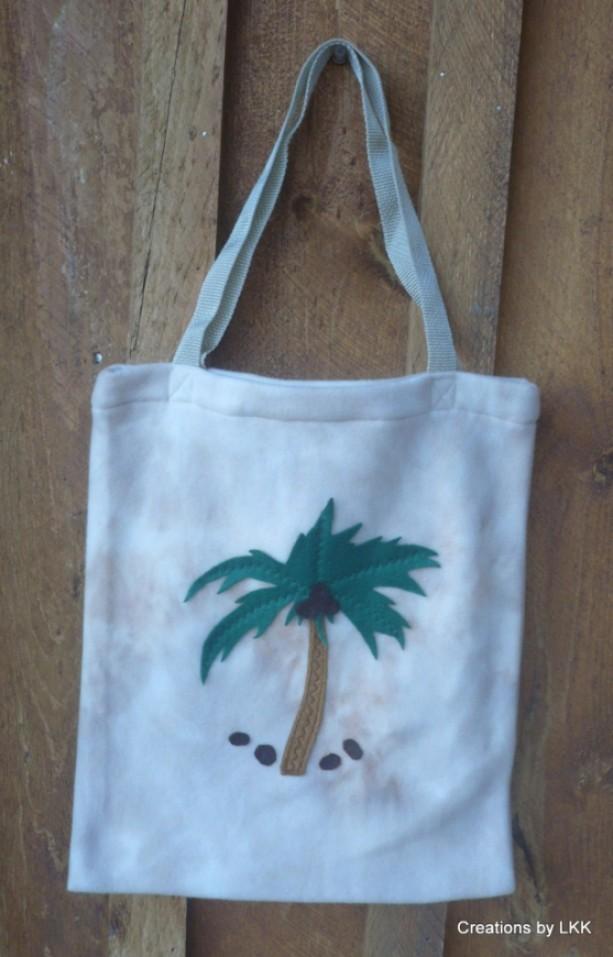 Beige Fleece Bag With Decorative Palm Tree
