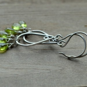 Tris Green Peridot & Sterling Silver Teardrop hoop Earrings