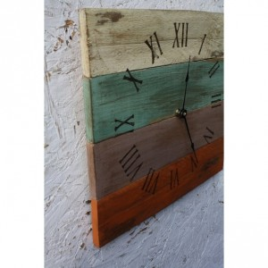 Beach House Clock. Pallet Wood.  Reclaimed Wood.  Custom Order.  Warm Colors.