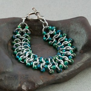 Iridescent Jewel Beetle Green & Silver Beaded Chainmaille Lace Bracelet