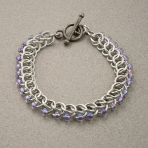 Edgy - Iridescent Lilac & Silver Beaded Chainmaille Bracelet