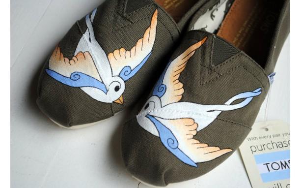 36f0b6d193b Womens White Swallows on Olive Custom Hand Painted TOMS Bird Desi ...