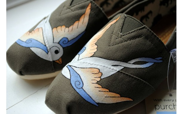4604ab32a76 ... Womens White Swallows on Olive Custom Hand Painted TOMS Bird Design