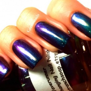 Nail Polish - Multichrome Chameleon Chrome - Purple/Green Color Shifting
