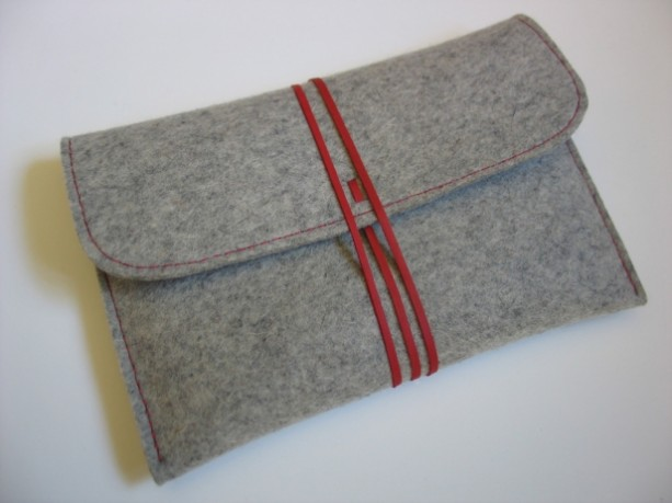 Gray wool felt Kindle Paperwhite case with red leather strap